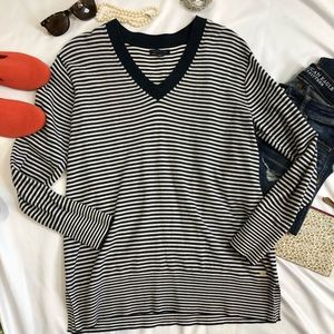 Tommy Hilfiger V Neck Sweater cotton large A28